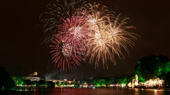 hanoi-cny-fireworks